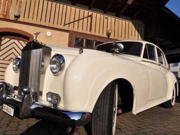 Renting out: Rolls Royce weiss 1959